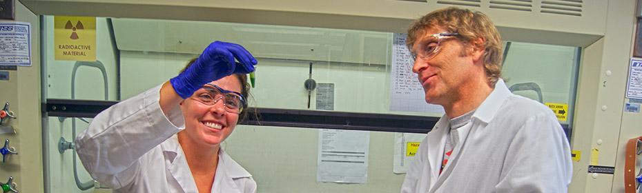 Carine Marshall & Frank Harmon extracting RNA